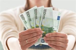 Ak ste zamestnaný a máte výplatu, tak si môžete požiadať o výhodnú pôžičku