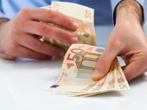 Výška pôžičky závisí od toho, aký typ pôžičky pred výplatou si zoberiete
